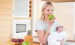 Phụ nữ mới sinh con nên ăn nhiều hoa quả
